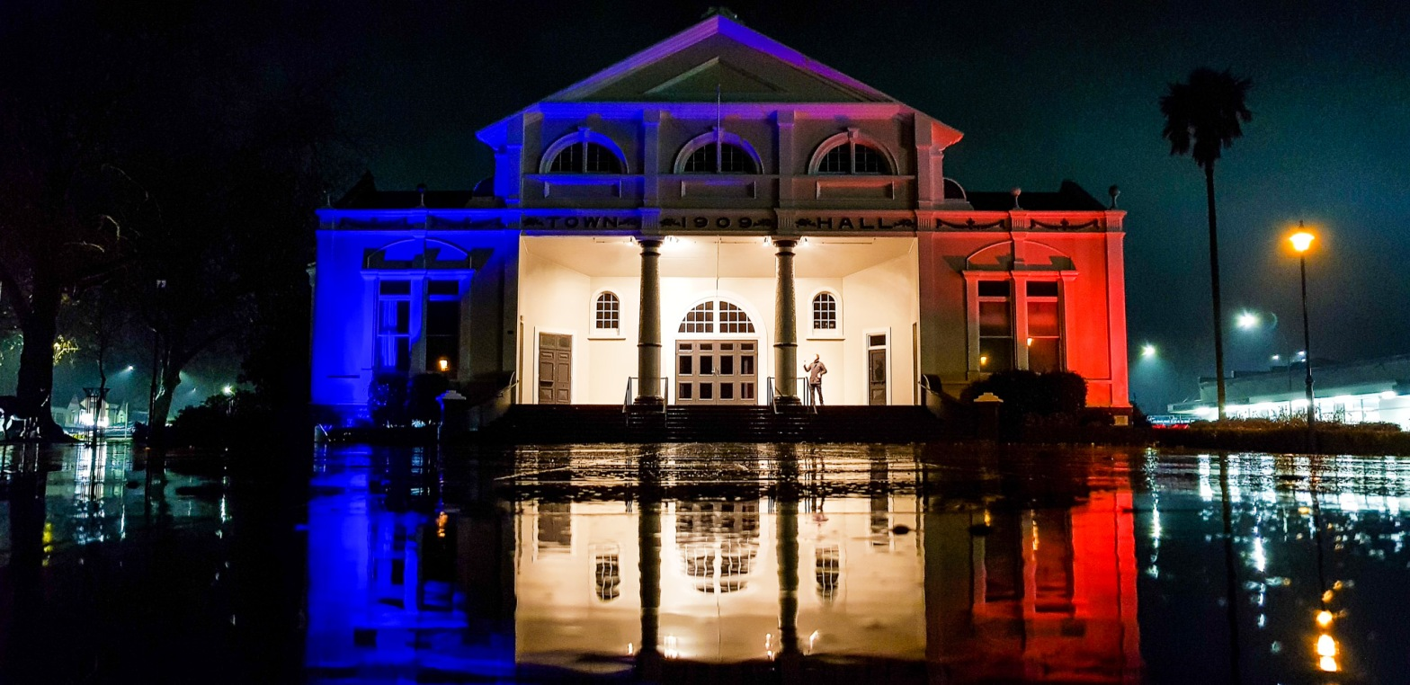 Cambridge Town Hall this evening 13/07/2018 on the eve of Bonjour Bastille Day 2018 celebrating Cambridge NZ & Le Quesnoy FR friendship. Events tomorrow at Farmers' Market, CBD & Cambridge Primary School.