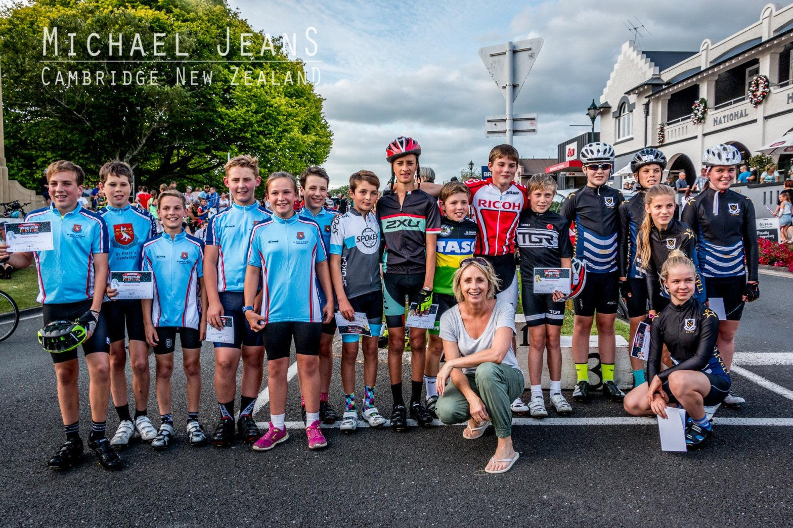 Olympian Sarah Ulmer and young cyclists first Cambridge Twilight Cycling Festival December 2015