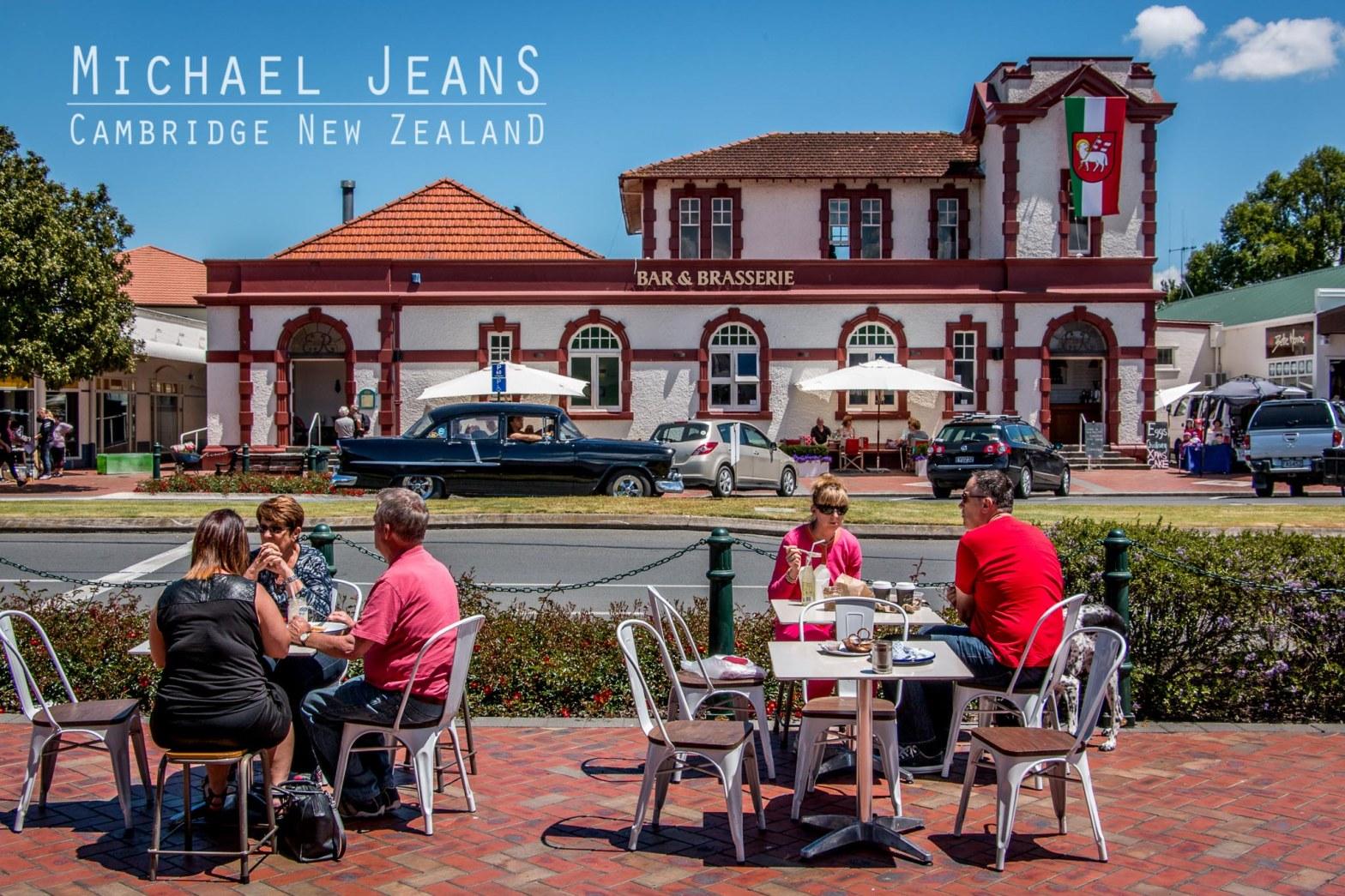 Outdoor dining Victoria Street Cambridge New Zealand