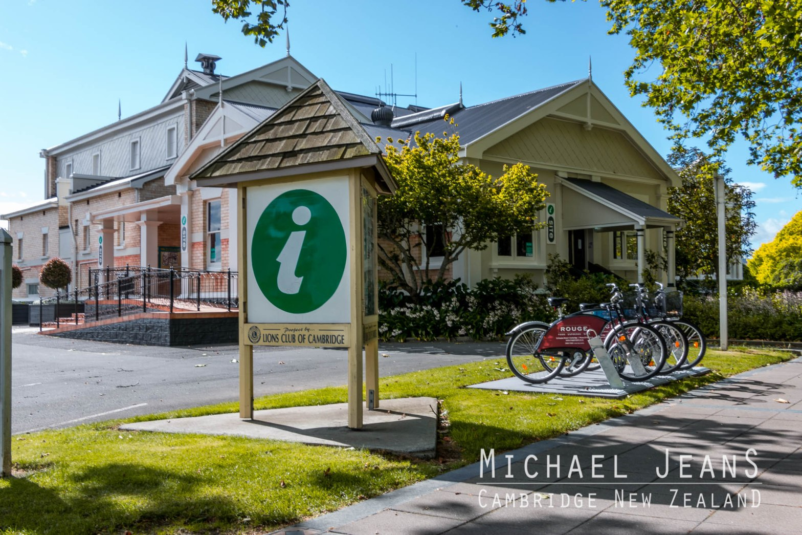 Rouge Nextbike iSite Town Hall Victoria Street Cambridge New Zealand